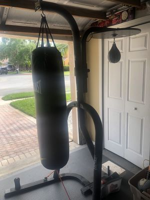 Heavy bag stand with heavy bag and speed bag included for Sale in Miramar, FL