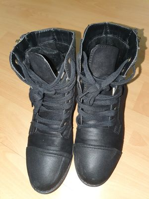 Women's Black Short Boots-size 6 for Sale in San Francisco, CA