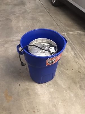Keg, Pony Punp tap, and container for Sale in Scottsdale, AZ