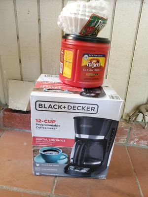 Coffee maker black+decker with free coffee and filters for Sale in Santa Clarita, CA