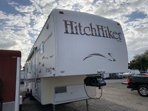 1997 hitch hiker fifth wheel 37' 3 slides for Sale in Kissimmee, FL