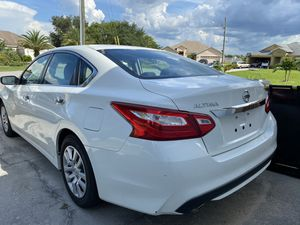 Nissan Altima 2017 for Sale in Leesburg, FL