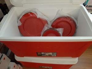 Great picnic set. 12 pc Melamine Dinnerware & 48 qt Laguna Cooler for Sale in Philadelphia, PA