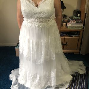22W Wedding Dress for Sale in Saint Clairsville, OH