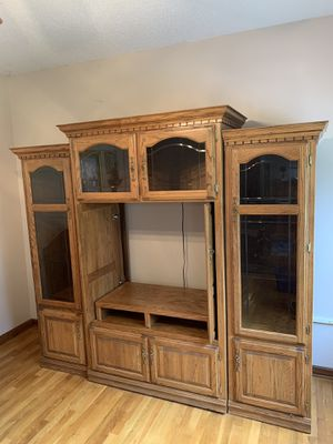 Wood Entertainment Stand for Sale in Kathleen, GA