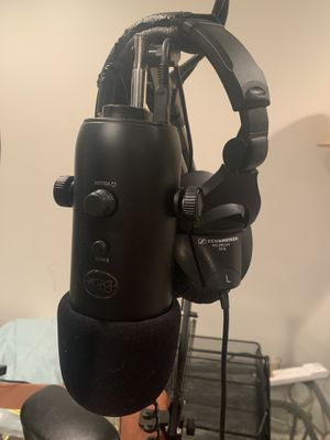 Blue Yeti Microphone and Sennheiser HD 280 Pro Studio Headphones for Sale in Manchester, MO