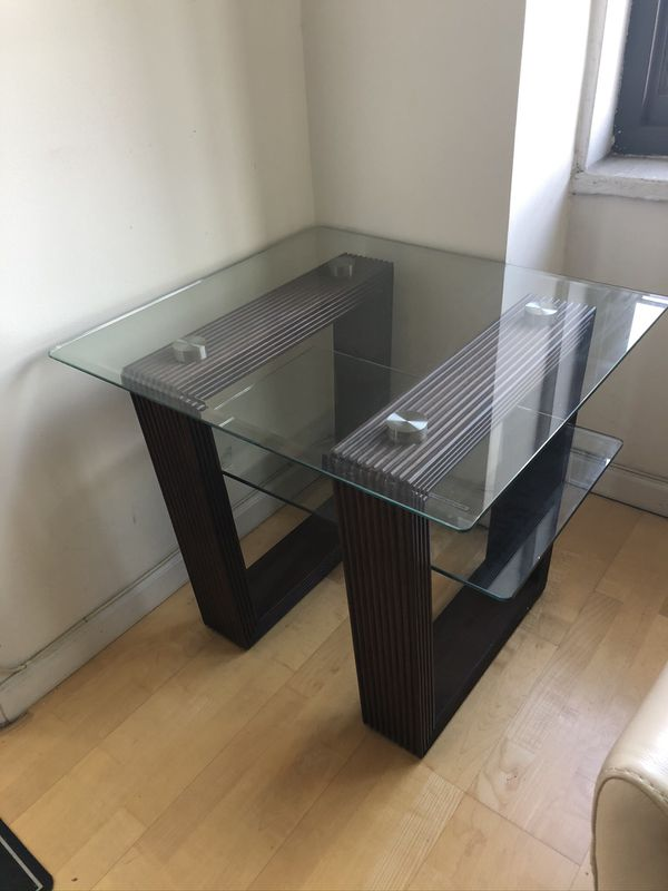 Coffee Table Set - (in perfect condition)