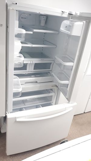 White French doors refrigerator excellent condition for Sale in Laurel, MD