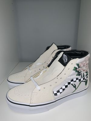 VANS SK8-HI BRAND NEW SIZE 6.5 W only $65 firm for Sale in Queens, NY