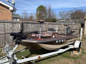 Skeeter 15' bass boat for Sale in Chesapeake, VA