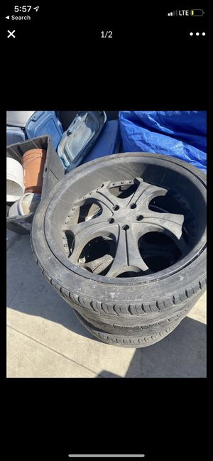 Dodge magnum wheels/ 22inch wheels for Sale in Westminster, CA