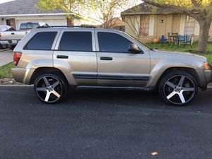Selling 2005 JEEP CHEROKEE LAREDO,6 cylinder for Sale in Austin, TX