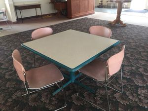 Table and chairs for Sale in Dallas, PA