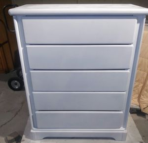 Plain White 5 Drawer Dresser- Delivery Available! for Sale in Phoenix, AZ