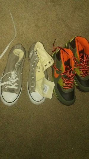 Nikes size 5y converse 7 for Sale in Pittsburgh, PA