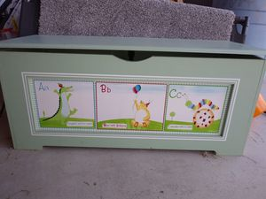 Baby/child toy chest for Sale in Buffalo, NY