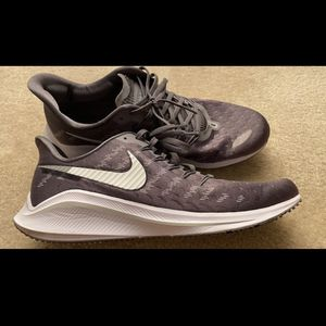 Nike Men's Air Zoom Vomero 14 Gray Sneakers Size 12 for Sale in Rockville, MD