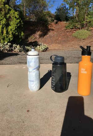 3 water bottles in good condition for Sale in Poway, CA