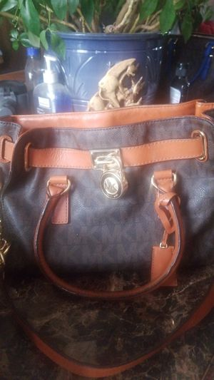 Michael Kors satchel bag leather with gold chain for Sale in Colorado Springs, CO