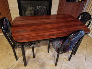 Dinning Table Beautiful Wood Top for Sale in Las Vegas, NV