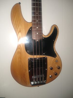 Ibanez Bass (Active) w extra for Sale in Pittsburg, CA