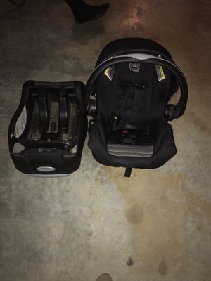 Evenflo infant car seat for Sale in Dallas, TX
