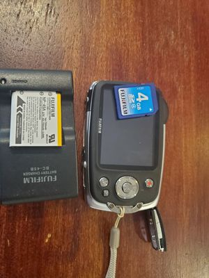 Fuji Digital Camera with accessories for Sale in Fort Washington, MD