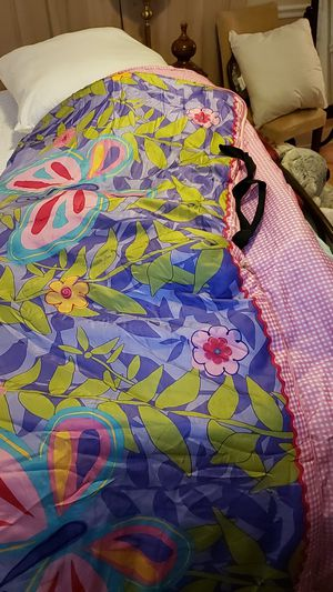 Sleeping bag x girls, satin, reversible for Sale in Miami, FL