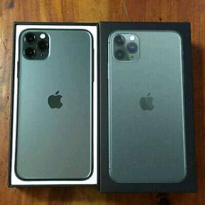 IPhone 11 pro max 64gb Unlocked for Sale in Queens, NY