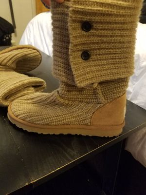Brown Knit Uggs Size 7 for Sale in Pittsburgh, PA