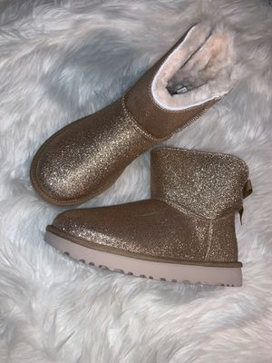 Ugg Boots 2x size 7w for Sale in Tacoma, WA