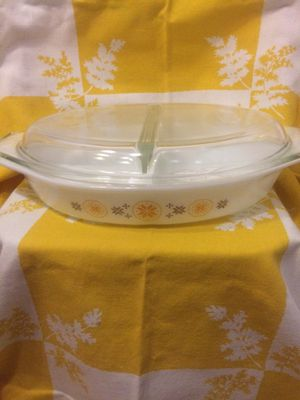 Pyrex Town and country divided dish for Sale in Vero Beach, FL