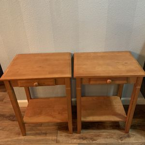 """Slid Wood Two Side Table / Nightstand !!! 2- 14"""" D 18"""" W 24"""" H for Sale in Vancouver, WA"""
