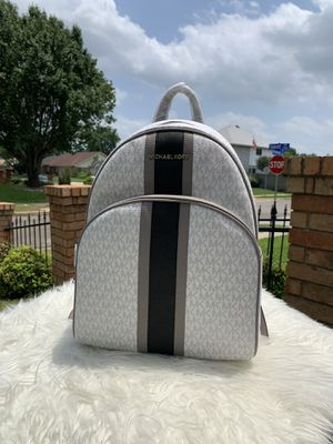 MICHAEL KORS ABBEY LARGE BACKPACK for Sale in Arlington, TX