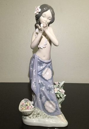 STUNNING LLADRO HAWAIIAN DANCER GIRL WITH FLOWERS AROMA OF THE ISLANDS FIGURINE for Sale in Brooklyn, NY