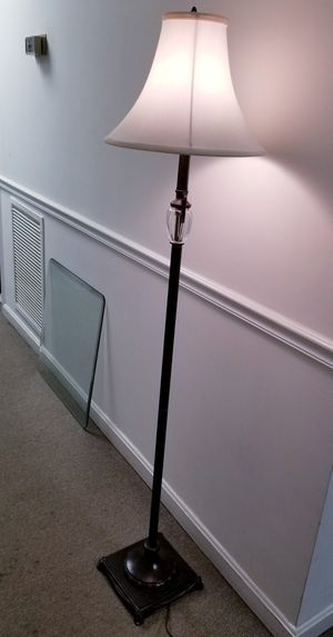 Floor Lamp 3 way bulb for Sale in Annandale, VA