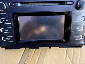 Toyota Highlander Radio Receiver w/ Display Screen Used OEM for Sale in Greenbelt, MD