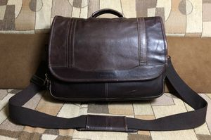 Samsonite Colombian Leather Crossbody/Messenger/Laptop Bag for Sale in Brooklyn, NY