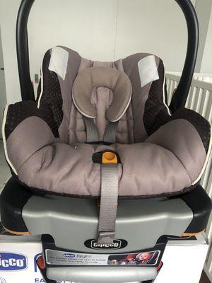 Chicco car seat for Sale in North Miami, FL