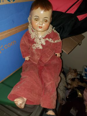 Now shipping Antique rare composition madame Alexander quintuplet doll for Sale in Boston, MA