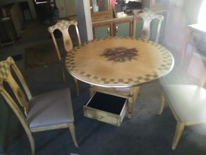 Kitchen table and chairs w/sidebar for Sale in Fenton, MO