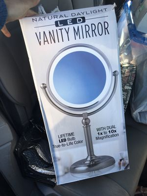 Vanity mirror ! New ! Makeup for Sale in Long Beach, CA