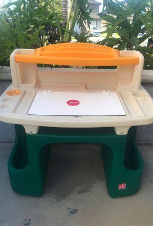 Kids Step2 desk for Sale in Riverside, CA