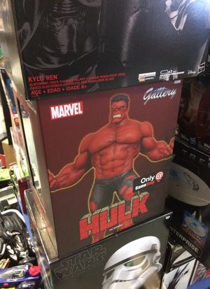 Red hulk statue by gallery game stop exclusive new in package for Sale in Bartlett, IL
