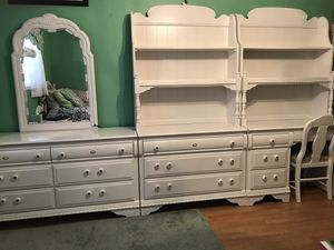 Lea Country Lace Bedroom Set for Sale in Largo, FL
