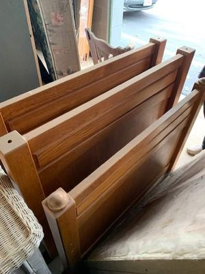Vintage Oak Bedroom Set with Twin Beds for Sale in Fort Worth, TX