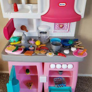 little tikes play kitchen for Sale in Phoenix, AZ