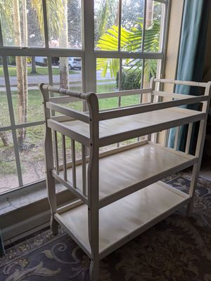 Diaper Changing Table for Sale in Delray Beach, FL