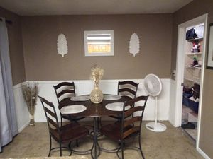 Kitchen table and chairs!!! for Sale in Phoenix, AZ