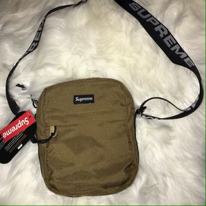 Supreme bag for Sale in San Diego, CA